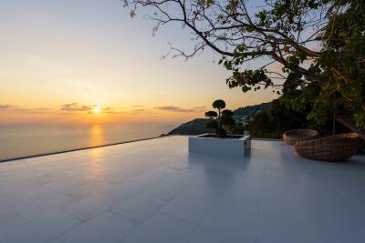 Villa-Amelie-Rooftop-View