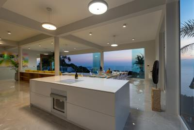 Villa-Amelie-Kitchen