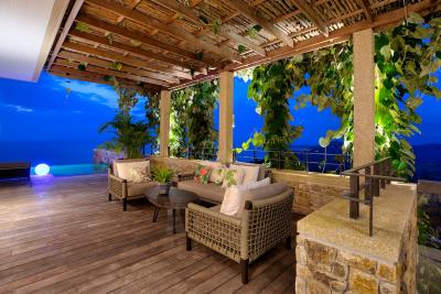Villa-Baan-Sang-Ko-Samui-Covered-Terrace-Night