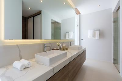 Sea-Renity-Samui-Master-Bathroom