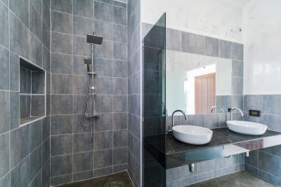 Bophut-Villa-Shower