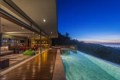 The-Naked-House-Exterior-Night