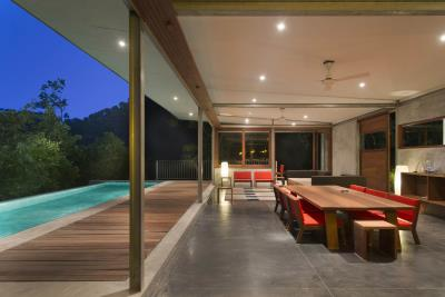 The-Naked-House-Living-Night