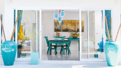 Villa-Khwan-Rak-Dining-Table
