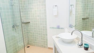 Villa-Khwan-Rak-Bathroom-2