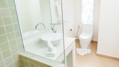 Villa-Khwan-Rak-Master-Bathroom