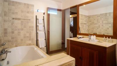 Baan-Tawan-Bathroom-3