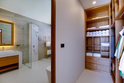 Luxury-Villa-Samui-Bedroom-Closet