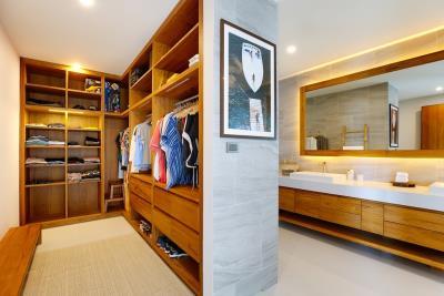 Luxury-Villa-Samui-Master-Closet