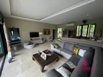 Samui-Property-Sofa