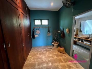 Samui-Property-Walk-In-Closet