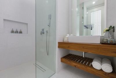 Koh-Samui-Villas-Bathroom