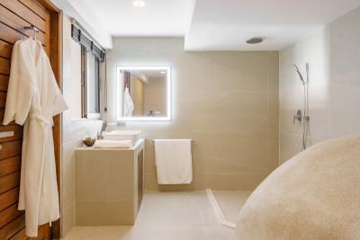 Samui-Sea-View-Property-Shower