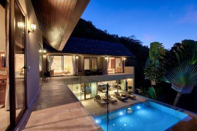 Chaweng-Sea-View-Villa-Balcony