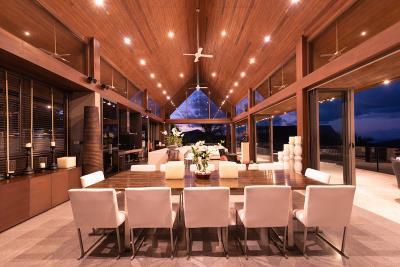 Villa-Suralai-Dining-Night