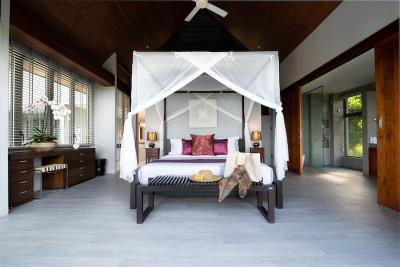 Villa-Suralai-Master-Suite