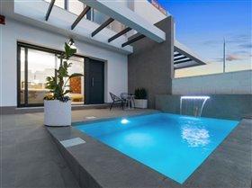 Image No.0-Villa / Détaché de 3 chambres à vendre à Orihuela Costa
