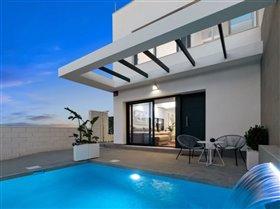 Image No.2-Villa / Détaché de 3 chambres à vendre à Orihuela Costa