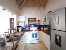 Image No.1-Maison / Villa de 5 chambres à vendre à Dickenson Bay