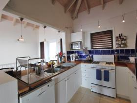 Image No.2-Maison / Villa de 5 chambres à vendre à Dickenson Bay