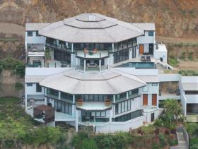 Tamarind Hills, Villa