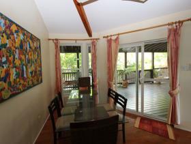 Image No.10-9 Bed Villa / Detached for sale
