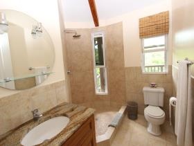 Image No.18-9 Bed Villa / Detached for sale