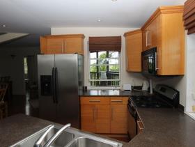 Image No.27-9 Bed Villa / Detached for sale