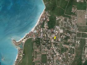 Dickenson Bay, Land