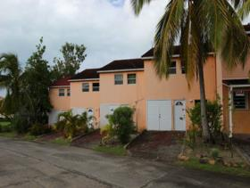 1. 8 Bed Townhouse for sale