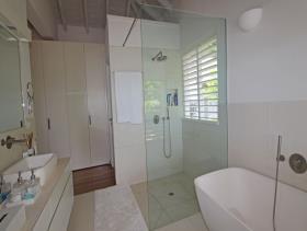 Image No.16-Villa / Détaché de 5 chambres à vendre à Galley Bay Heights