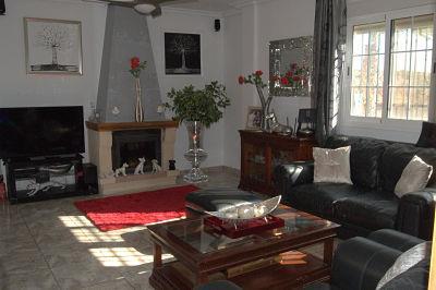 2-living-room-1st-floor_opt