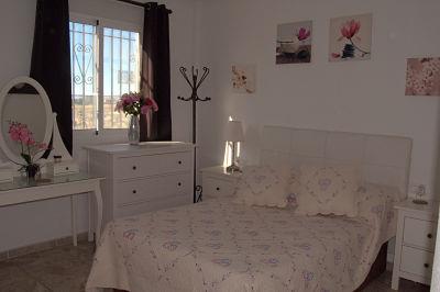 6-main-bedroom-1st-floor_opt