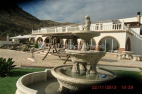 Image No.16-7 Bed Property for sale