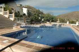 Image No.2-7 Bed Property for sale