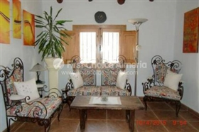 Image No.3-7 Bed Property for sale