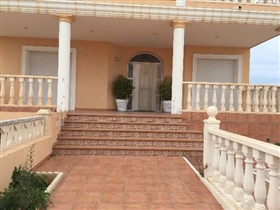 Garrucha, Villa