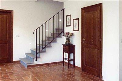 casali-toscana-casa-mario-foto07-vista-interni-1172x776