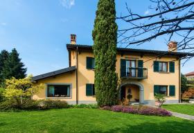 Image No.0-Maison / Villa de 7 chambres à vendre à Vimercate