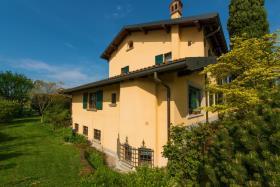 Image No.2-Maison / Villa de 7 chambres à vendre à Vimercate