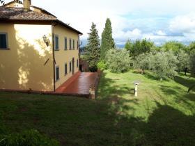 Image No.2-7 Bed Villa / Detached for sale