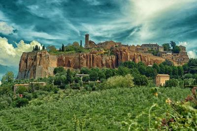 Orvieto-Assisi-Day-Trip-from-Rome-Panoramic-View