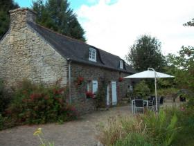 1. 3 Bed Country Property for sale