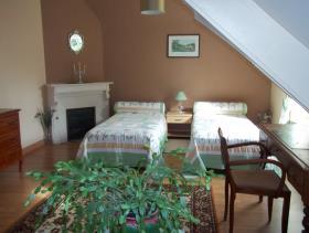 Image No.7-3 Bed Gite for sale