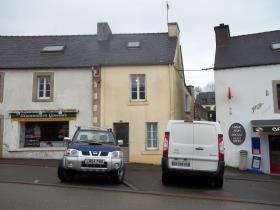 Saint-Hernin, Village House