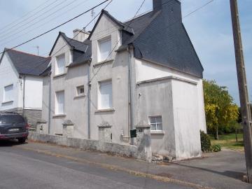1 - Poullaouen, Village House
