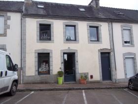 Image No.0-Maison de village de 3 chambres à vendre à Huelgoat