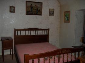 Image No.9-3 Bed Country Property for sale