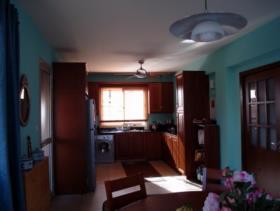 Image No.5-Villa de 4 chambres à vendre à Oroklini