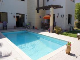 Image No.13-Maison / Villa de 4 chambres à vendre à Oroklini
